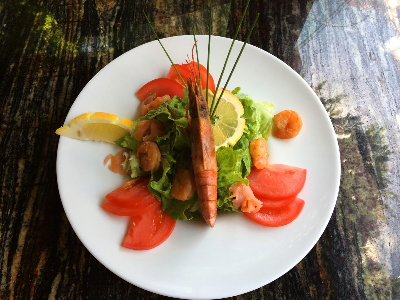 salati-ot-marinovani-ribi-i-morski-darove-menu-emona (Large)