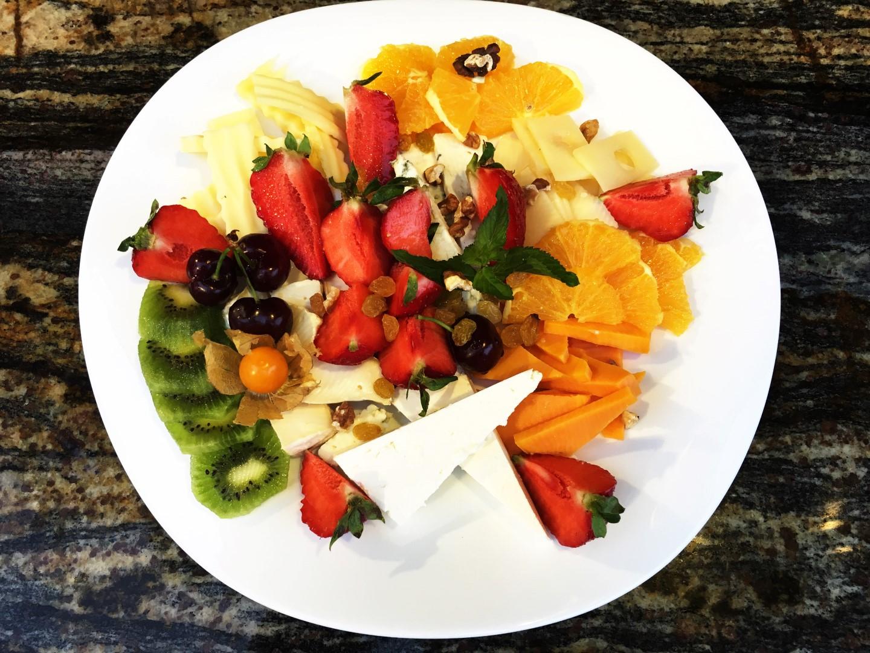 studeni-mezeta-dekoraciya-plodove-emona-nesebar-menu (Large)